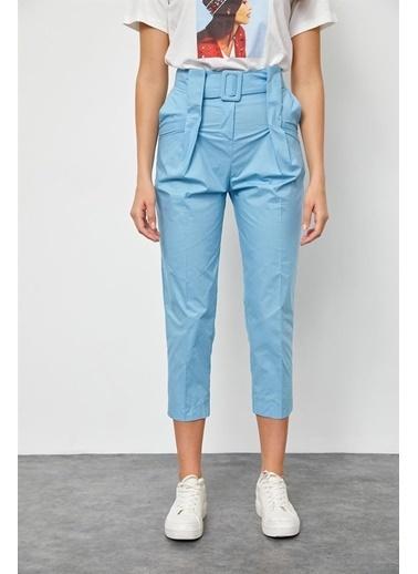 Setre Haki Kemerli Kumaş Havuç Pantolon Mavi